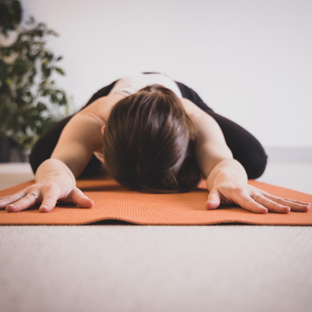 Posture Yoga-Mudra Yoga Fitness Réverbère